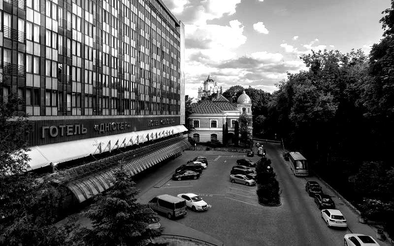 dnister-hotel-blackwhite